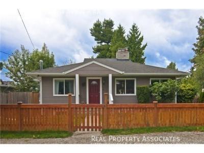 10515 Ashworth Ave N, #A, Seattle WA 98133 Photo