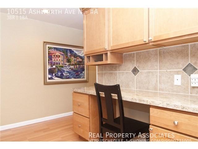 10515 Ashworth Ave N, #A, Seattle WA 98133 - Photo 4