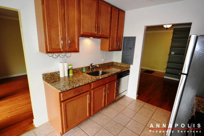 300k-hilltop-lane-id708-kitchen-dn