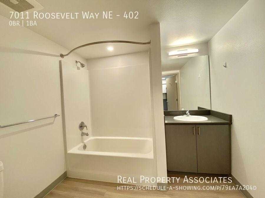 7011 Roosevelt Way NE, 402, Seattle WA 98115 - Photo 5
