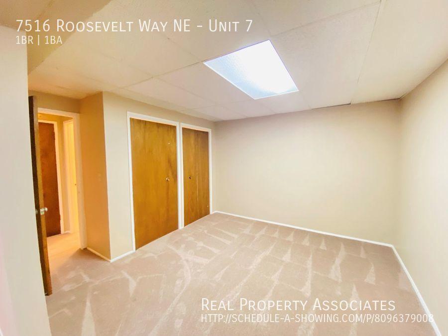 7516 Roosevelt Way NE, Unit 7,  WA 98115 - Photo 1