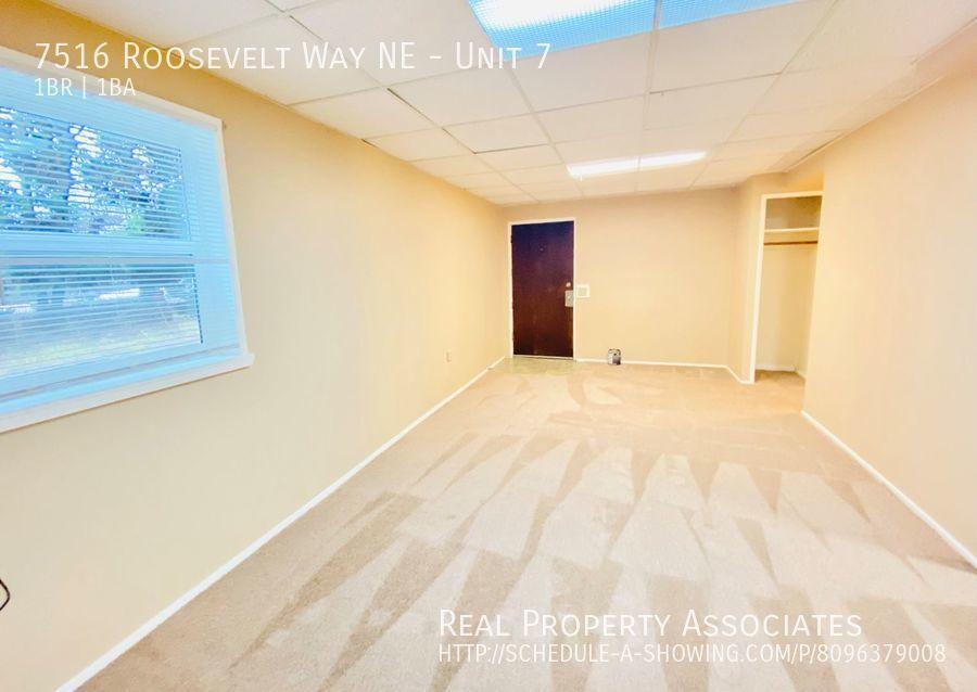 7516 Roosevelt Way NE, Unit 7,  WA 98115 - Photo 2