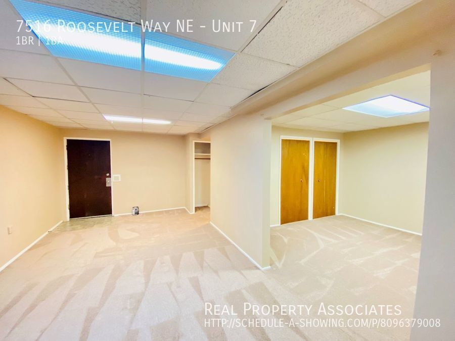 7516 Roosevelt Way NE, Unit 7,  WA 98115 - Photo 3