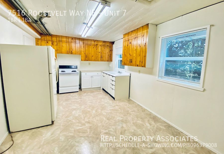 7516 Roosevelt Way NE, Unit 7,  WA 98115 - Photo 4