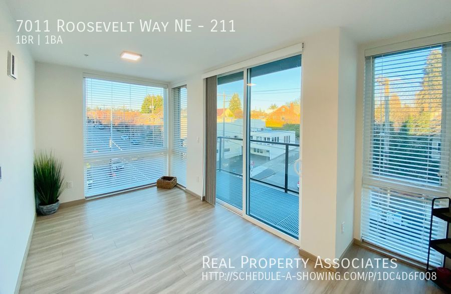7011 Roosevelt Way NE, 211, Seattle WA 98115 - Photo 3