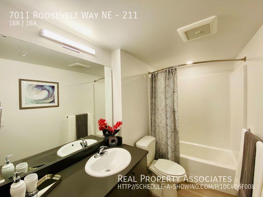 7011 Roosevelt Way NE, 211, Seattle WA 98115 - Photo 8