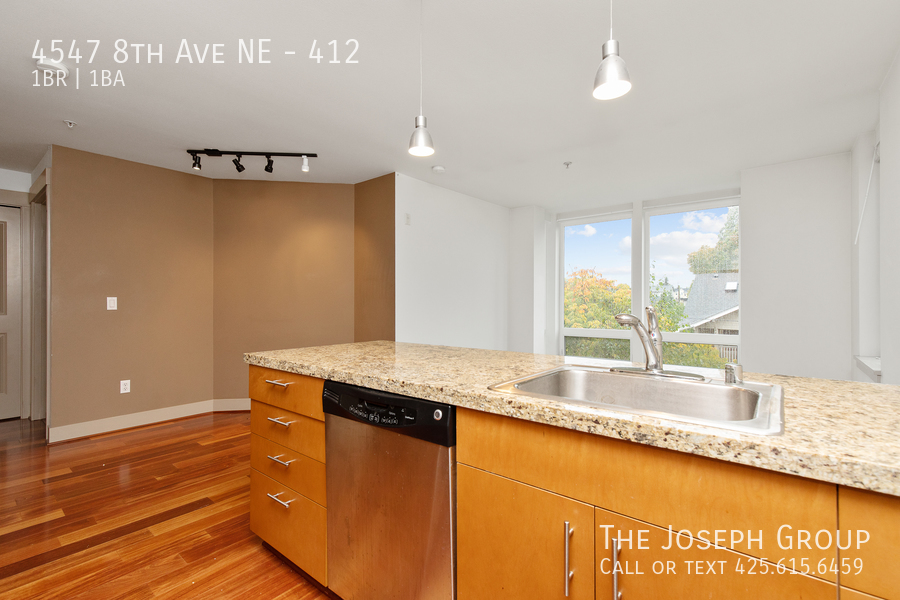 Amazing 1 bed/1 bath in Seattle's University District! - Photo 11