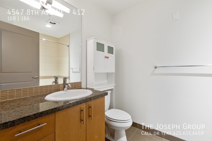 Amazing 1 bed/1 bath in Seattle's University District! - Photo 17