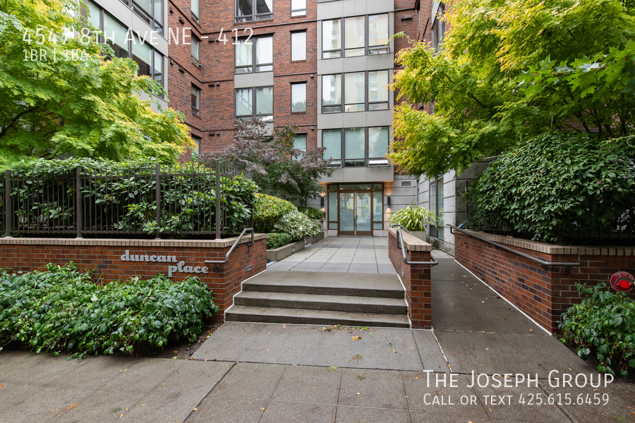 Amazing 1 bed/1 bath in Seattle's University District! - Photo 19