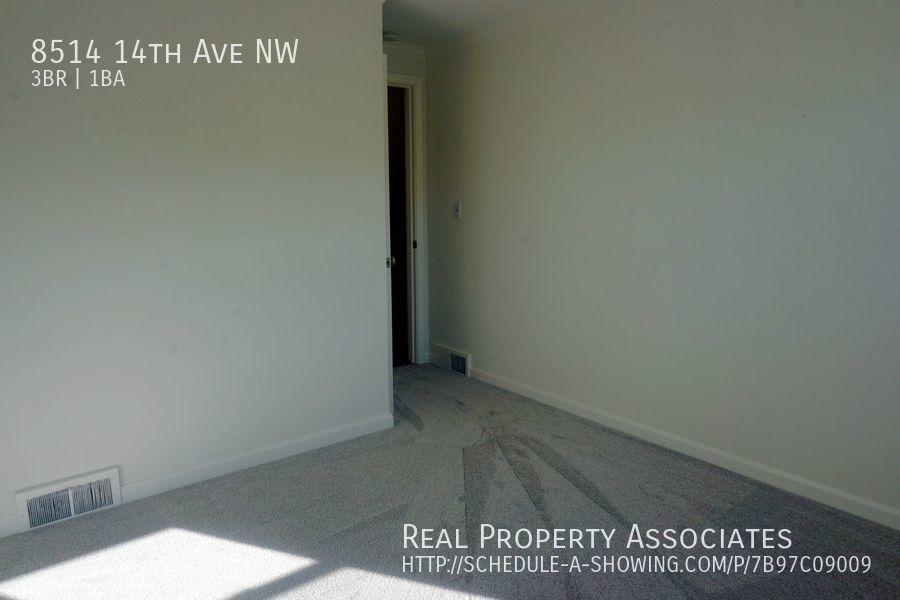 8514 14th Ave NW, Seattle WA 98117 - Photo 9