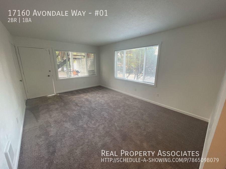 17160 Avondale Way, #01, Redmond WA 98052 - Photo 2