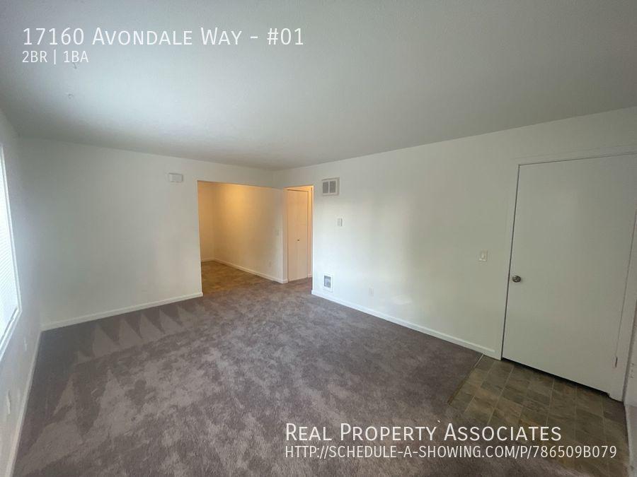 17160 Avondale Way, #01, Redmond WA 98052 - Photo 3