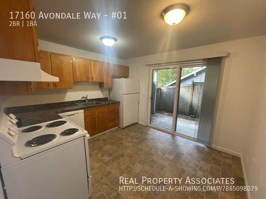 17160 Avondale Way, #01, Redmond WA 98052 - Photo 4