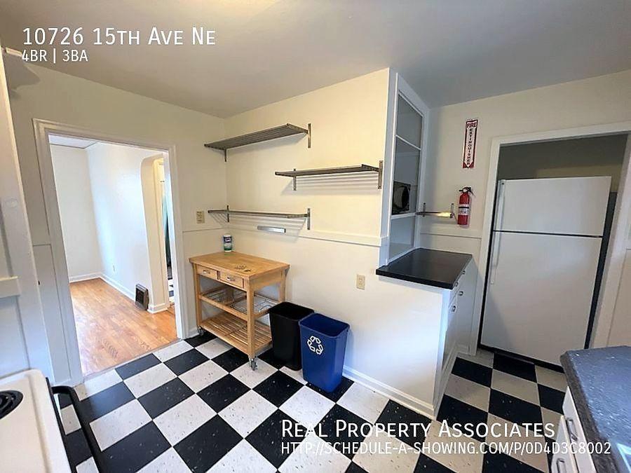 10726 15th Ave Ne, Seattle WA 98125 - Photo 10