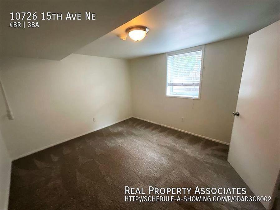10726 15th Ave Ne, Seattle WA 98125 - Photo 15