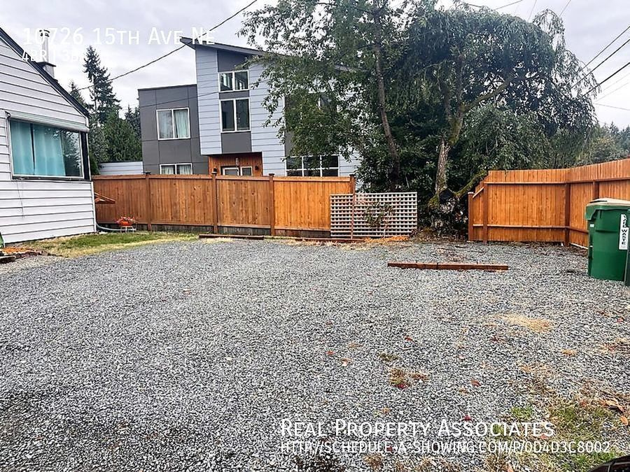 10726 15th Ave Ne, Seattle WA 98125 - Photo 21