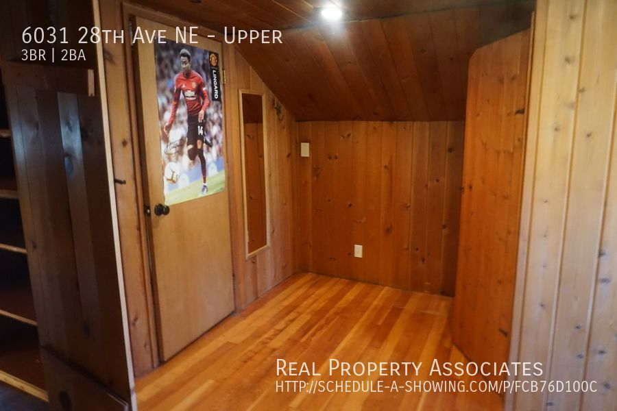 6031 28th Ave NE, Upper, Seattle WA 98115 - Photo 2