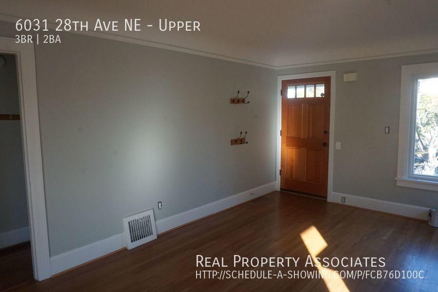 6031 28th Ave NE, Upper, Seattle WA 98115 - Photo 3