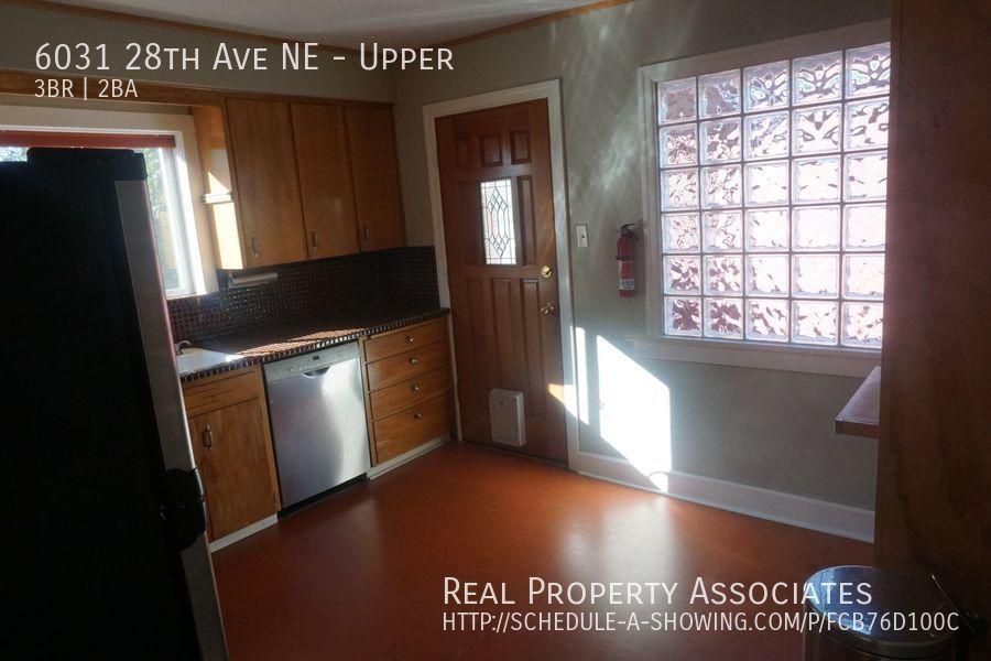 6031 28th Ave NE, Upper, Seattle WA 98115 - Photo 9