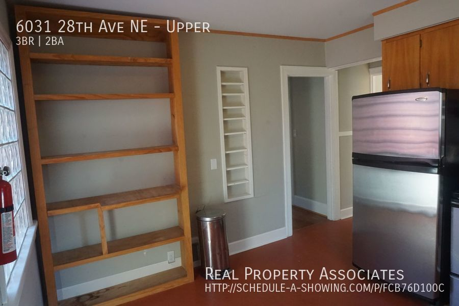 6031 28th Ave NE, Upper, Seattle WA 98115 - Photo 11
