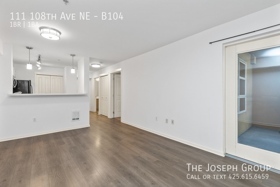 Beautiful courtyard condo nestled in the heart of downtown Bellevue! - Photo 4