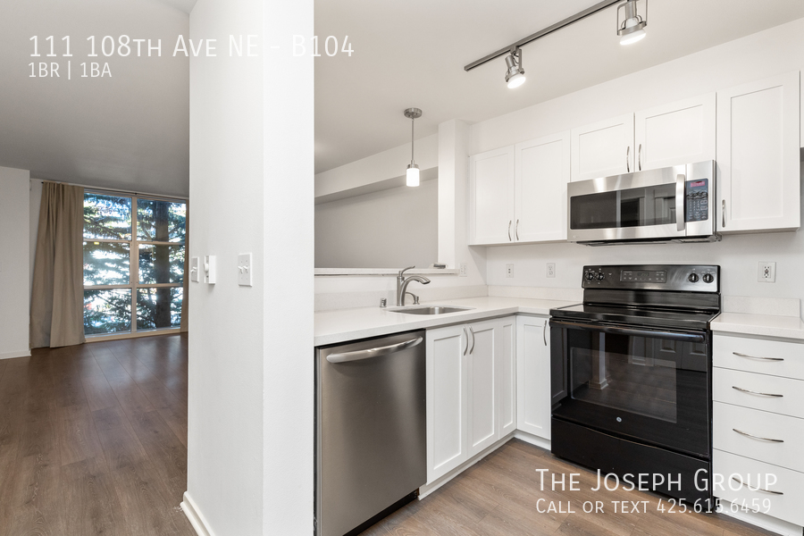 Beautiful courtyard condo nestled in the heart of downtown Bellevue! - Photo 7