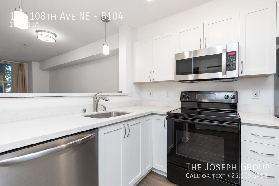 Beautiful courtyard condo nestled in the heart of downtown Bellevue! - Photo 8