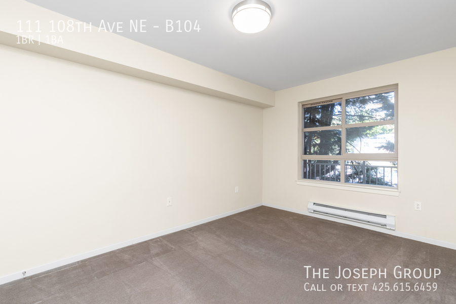 Beautiful courtyard condo nestled in the heart of downtown Bellevue! - Photo 11