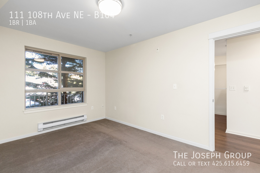 Beautiful courtyard condo nestled in the heart of downtown Bellevue! - Photo 12
