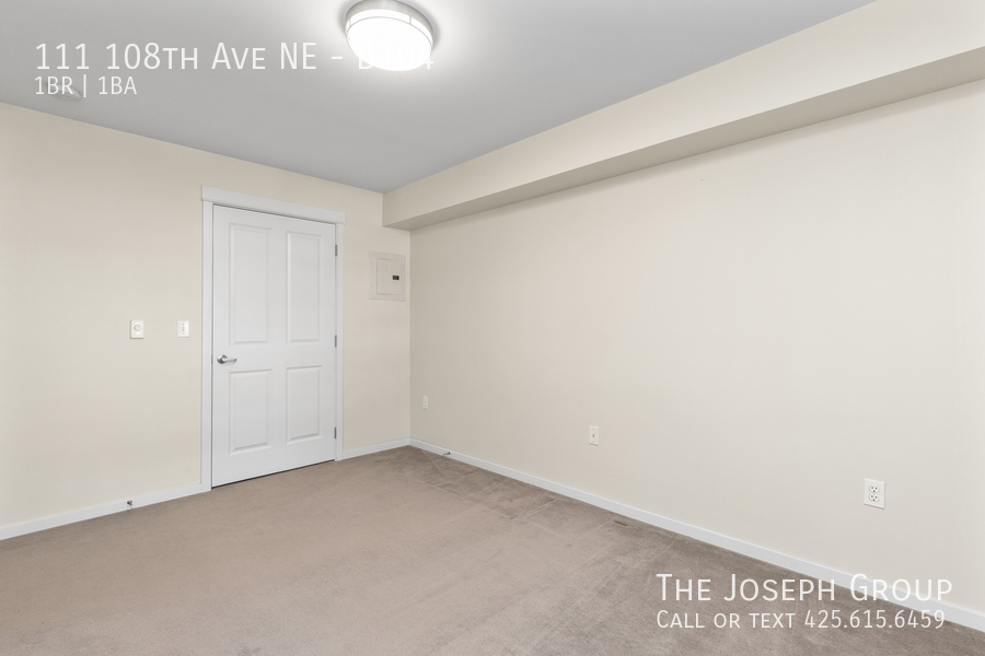 Beautiful courtyard condo nestled in the heart of downtown Bellevue! - Photo 14