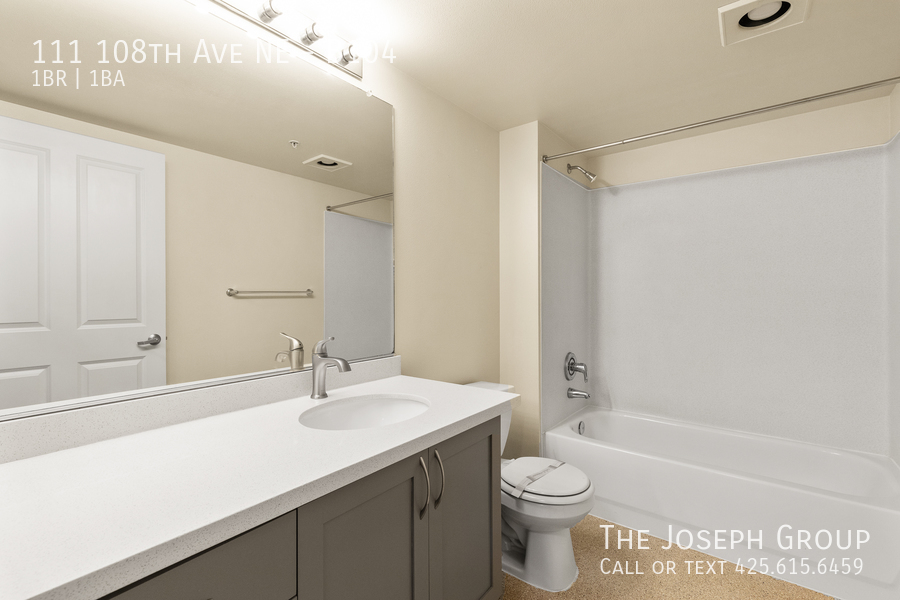 Beautiful courtyard condo nestled in the heart of downtown Bellevue! - Photo 15