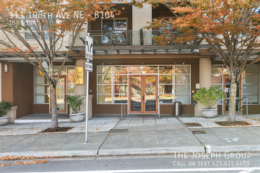 Beautiful courtyard condo nestled in the heart of downtown Bellevue! - Photo 20
