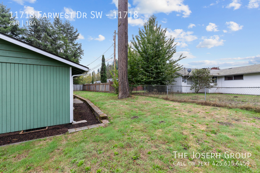 Beautiful 2/bd 1/ba duplex set on quiet tree lined lot!  - Photo 29