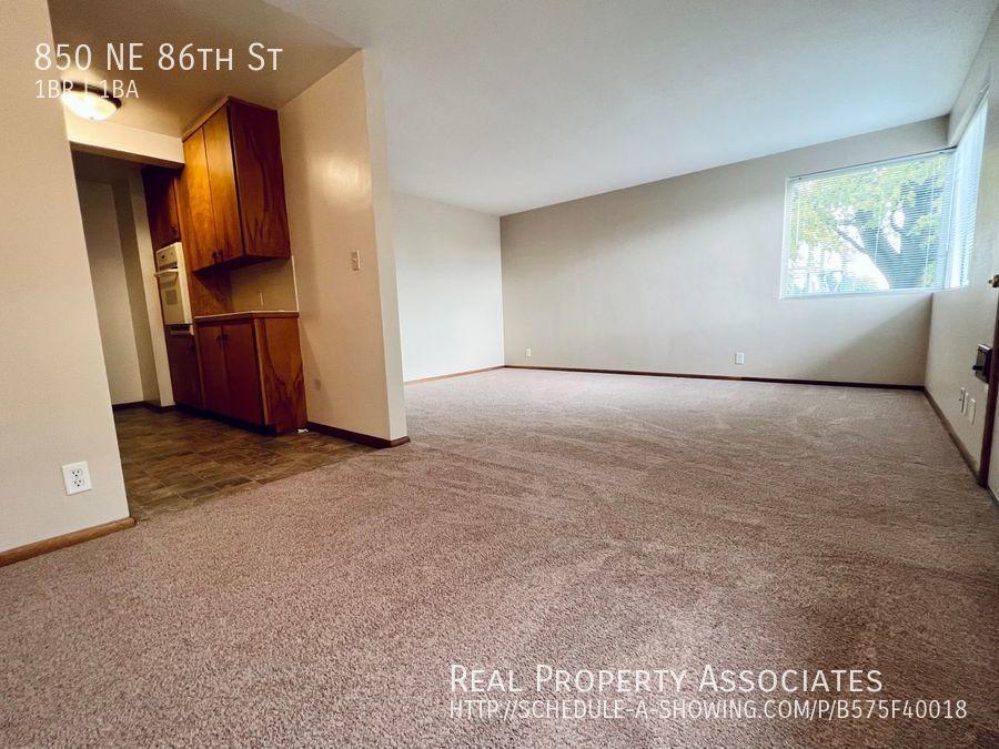 850 NE 86th St,  WA 98115 - Photo 4