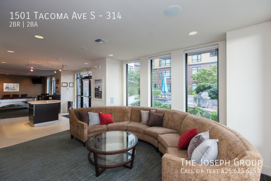 Gorgeous 2 Bedroom Condo - Central Tacoma! - Photo 23