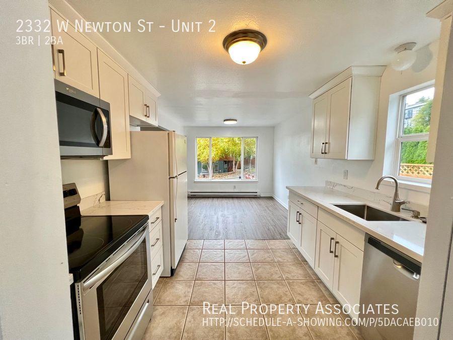 2332 W Newton St, Unit 2, Seattle WA 98199 Photo