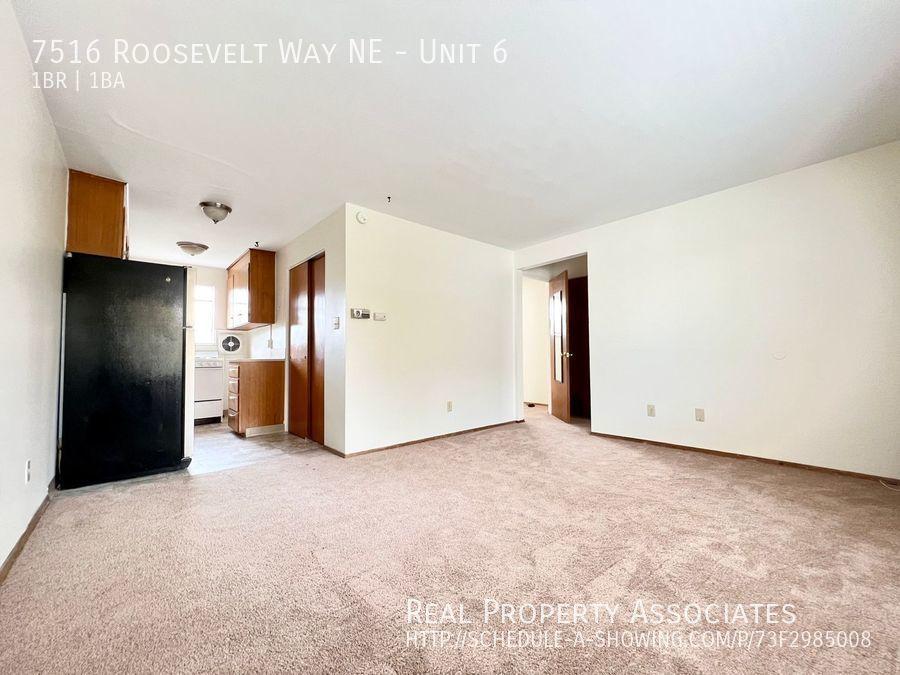 7516 Roosevelt Way NE, Unit 6,  WA 98115 - Photo 2