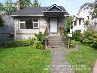 8023 Brooklyn Ave NE, Seattle WA 98115 Photo