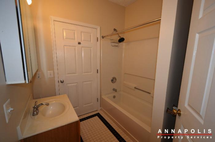 2003-warners-terrace-n-114-id725-bathroom-2a