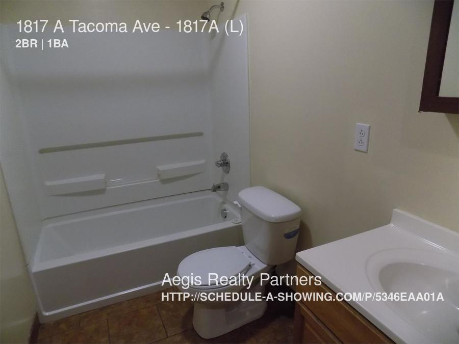 2 bedroom in McKeesport - ---- SCHEDULE A SHOWING ONLINE AT: http://showmojo