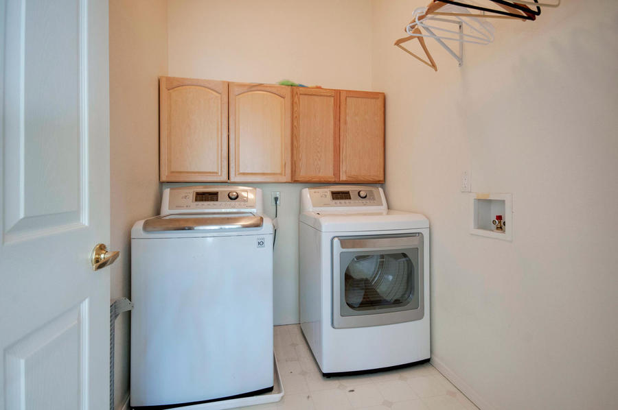 1345_nickel_ct_broomfield_co-large-026-26-laundry_room-1500x997-72dpi