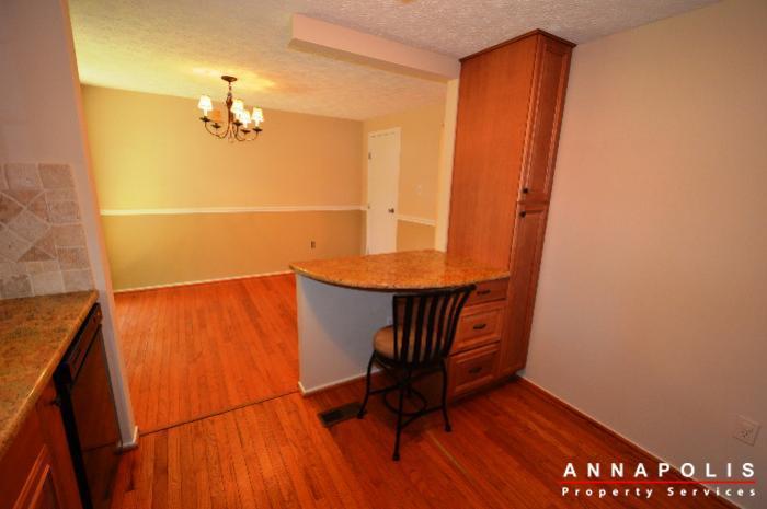 483-ruffian-court-id736-kitchen-b