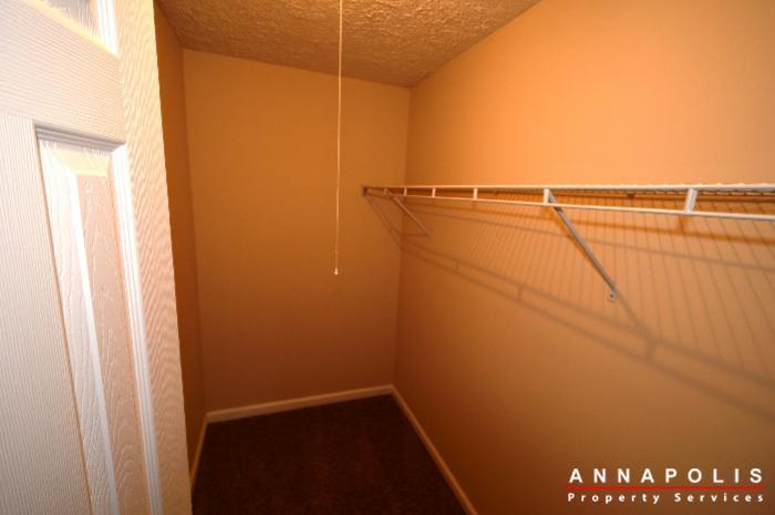 483-ruffian-court-id736-bedroom-1wic