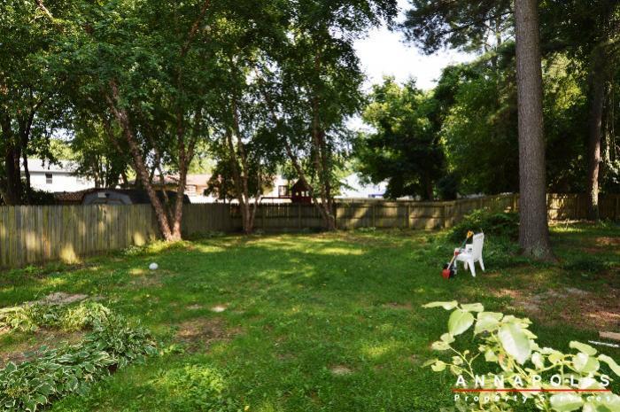 483-ruffian-court-id736-backyard-a
