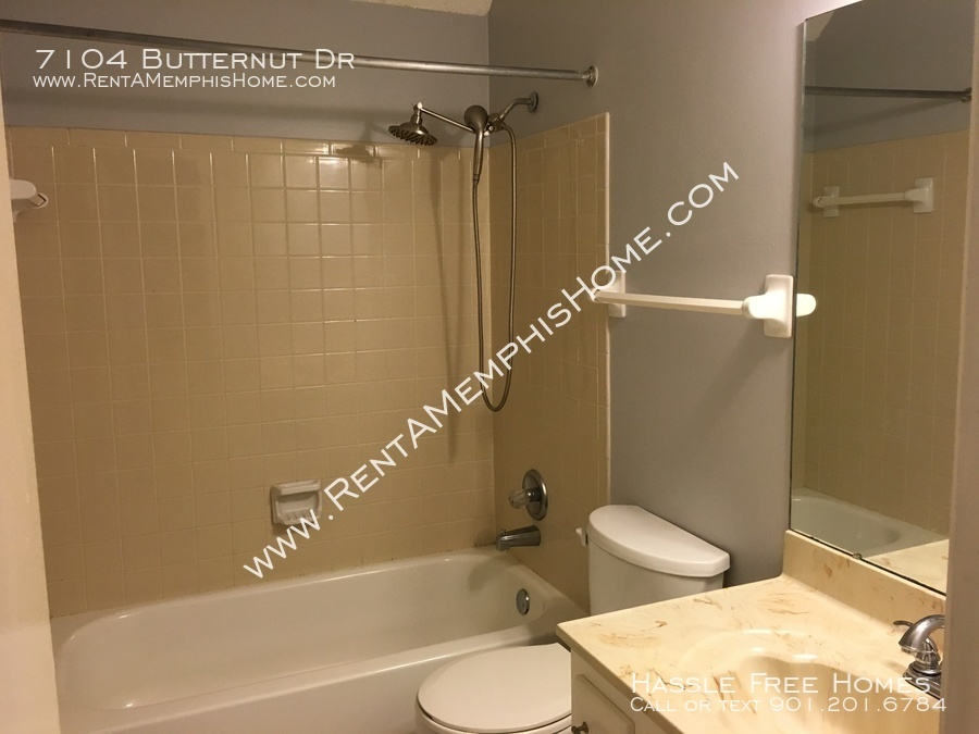Butternut 7104 bathroom 2