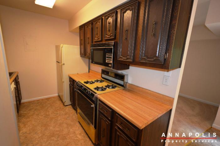 19-silverwood-ct-12-id738-kitchen-a