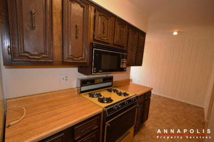 19-silverwood-ct-12-id738-kitchen-c