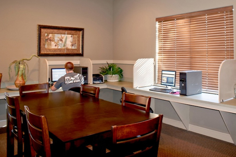 Large-texas-san-marcos-computer-lab