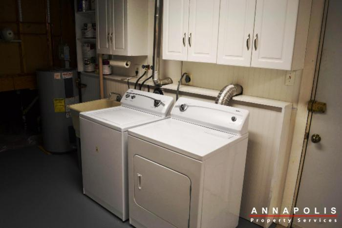 1657-canonade-court-id741-washer-and-dryer