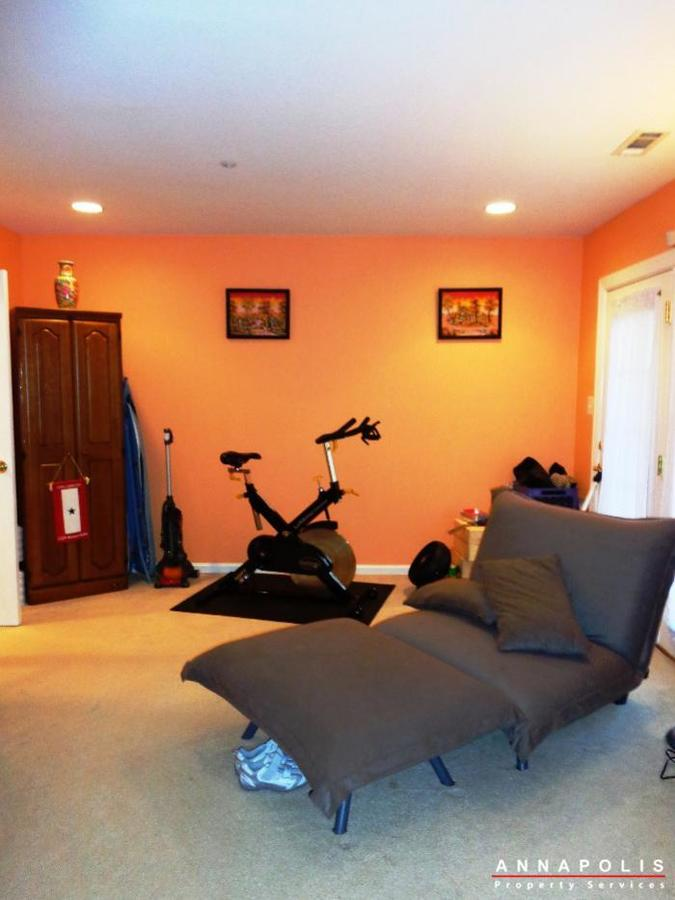 1106-niblick-court-id742-family-room-a